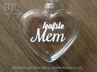 Glazen kerst hanger - kerstbal hart met Fryske tekst 'Leafste mem'