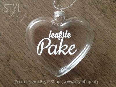 Glazen kerst hanger - kerstbal hart met Fryske tekst 'Leafste pake'